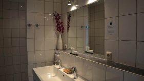 badkamer-hotelkamer-1.jpg